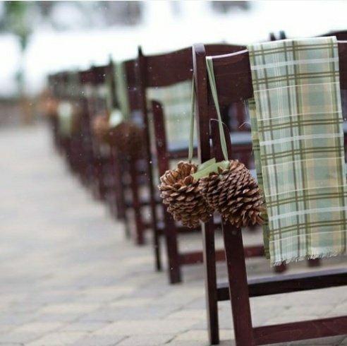 Pine cones for wedding decor