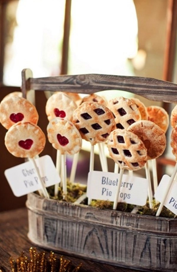 Wedding pie, pi day, female wedding officiant