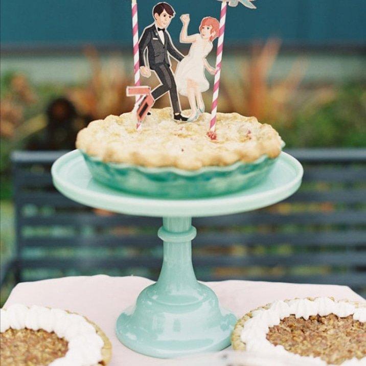 Female wedding officiant, wedding cake alternative